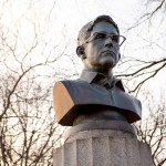 Edward Snowden statue secretly installed in Brooklyn park