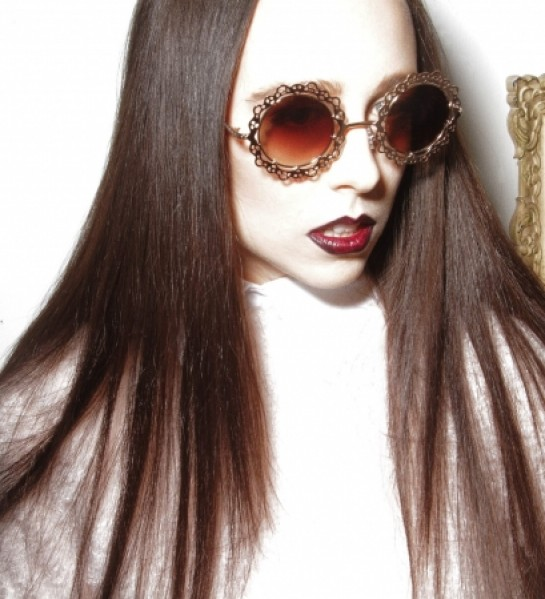 "Allie X – ""CATCH"""